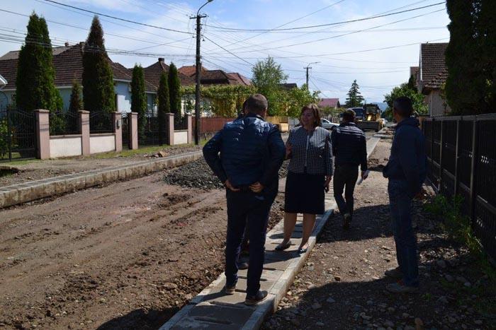 Modernizarea străzilor din Negrești-Oaș, o prioritate pentru primarul Aurelia Fedorca (Foto)