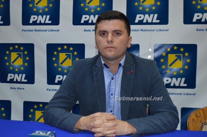 Adrian Cozma depune plângere penală împotriva lui Adrian Ștef