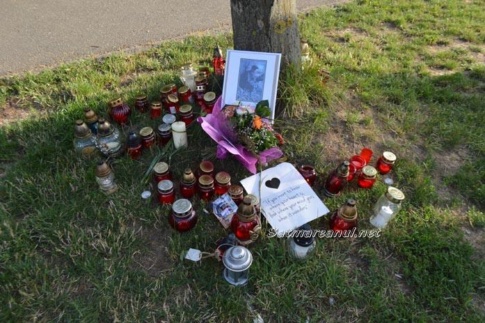 Ultim omagiu pentru tânărul mort în accidentul de la Satu Mare (Foto)