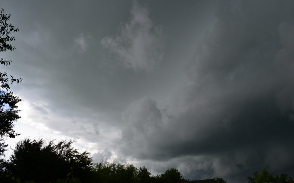 Cod portocaliu de descărcări electrice, ploi și vânt la Satu Mare