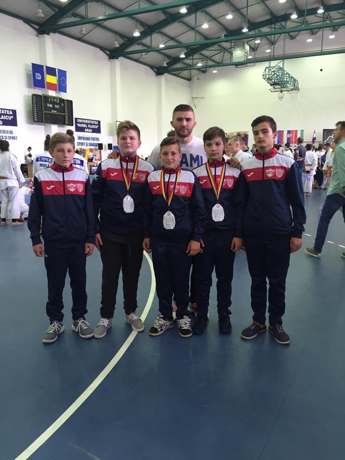 """Sportivi de la CS Fușle Security pe podiumul """"Zilei judo-ului arădean"""""""