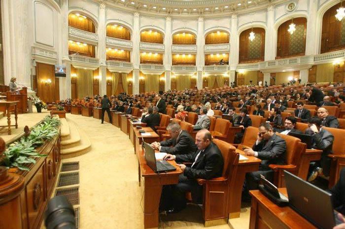 Proiect de lege: Aleşii locali nu vor putea avea mai mult de două mandate succesive