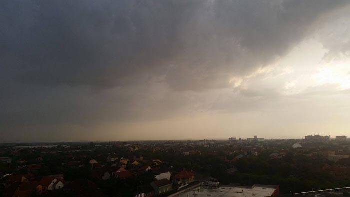 Cod galben de ploi torențiale la Satu Mare