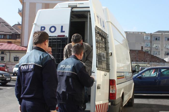 Violatorii din Vama, încarcerați de polițiști