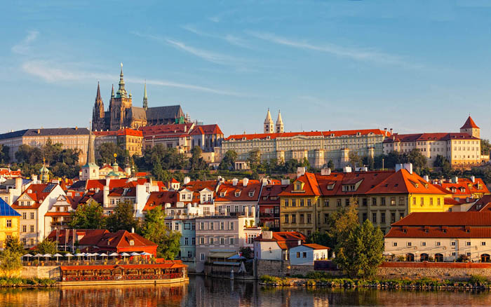 "Republica Cehă a devenit oficial ""Cehia"""