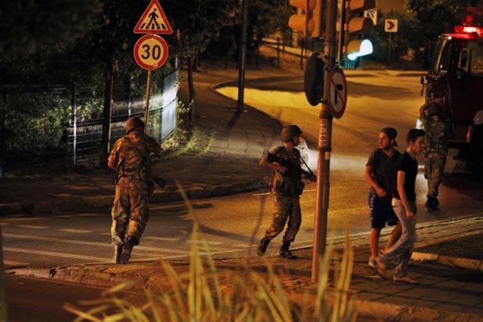 265 de morți în urma tentativei de lovitură de stat din Turcia