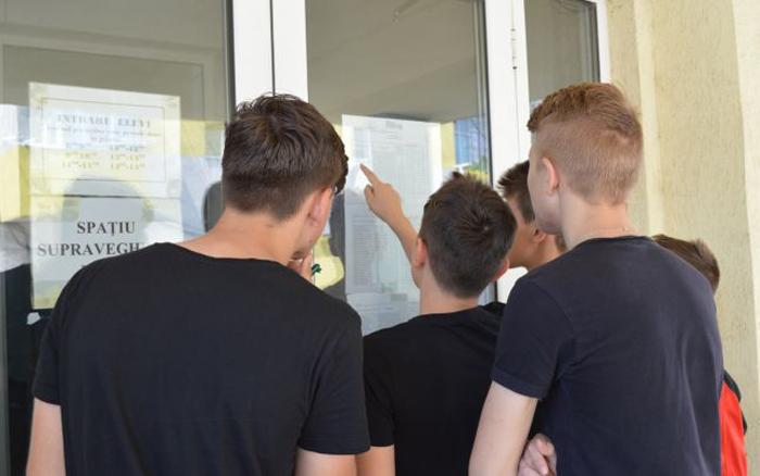 Vezi ierarhia absolvenților de clasa a VIII-a în urma Evaluării Naționale