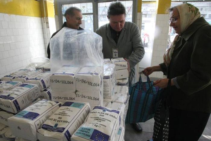 A început distribuirea ajutoarelor alimentare de la UE