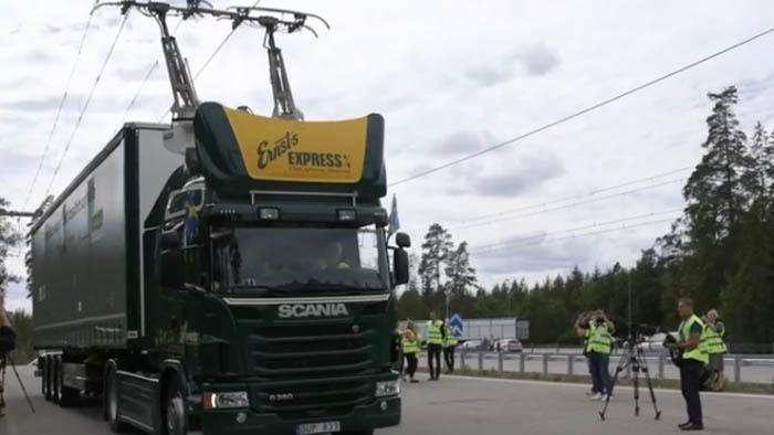 A fost inaugurată prima autostradă electrică din lume (Video)