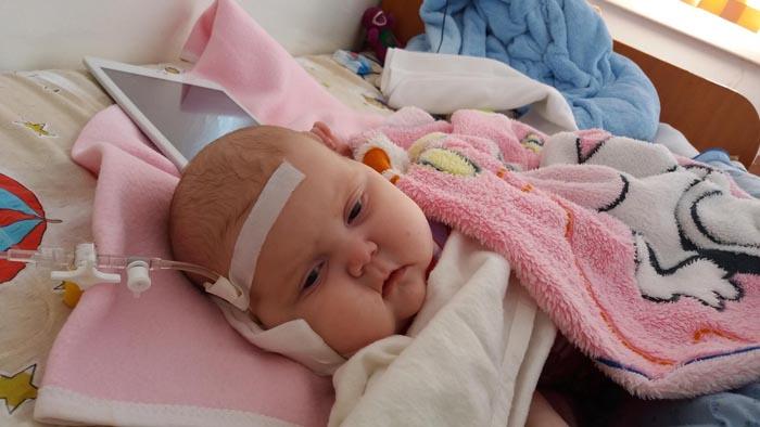 O fetiță de 5 luni are nevoie de ajutor