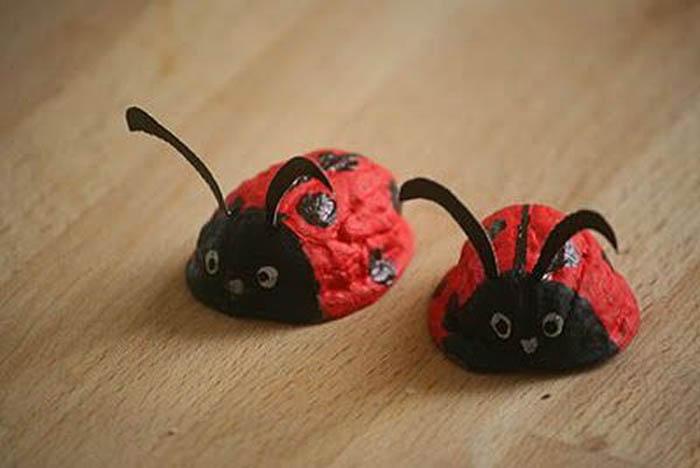 Obiecte decorative din coji de nuci (Foto)