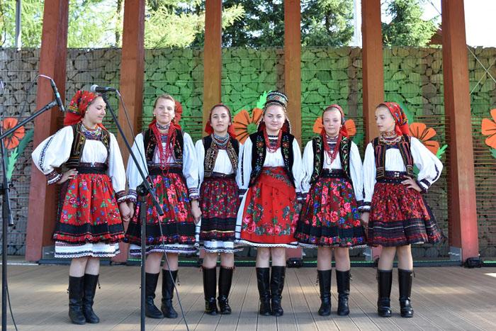 """Ansamblul """"Florile Tărnii"""" au obținut două premii la Festivalului Internațional de Folclor din Polonia"""