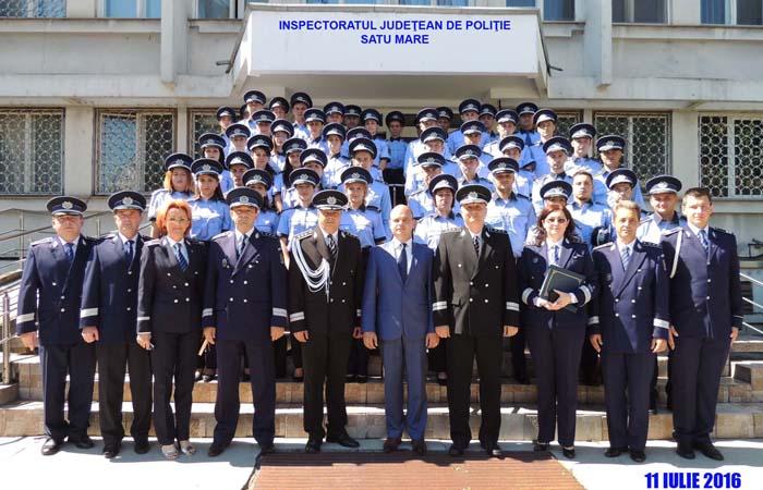 Noii polițiști au depus jurământul