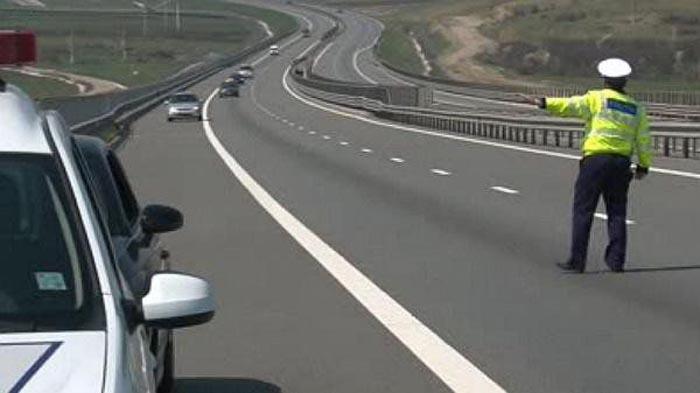 """Grabă mare: """"Zbura"""" pe autostradă cu 208 km/h"""