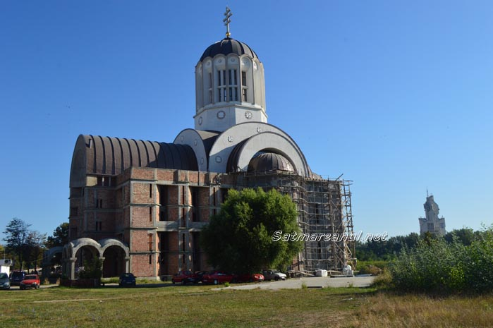 A murit muncitorul care a căzut de pe schela bisericii de la cap Pod Golescu