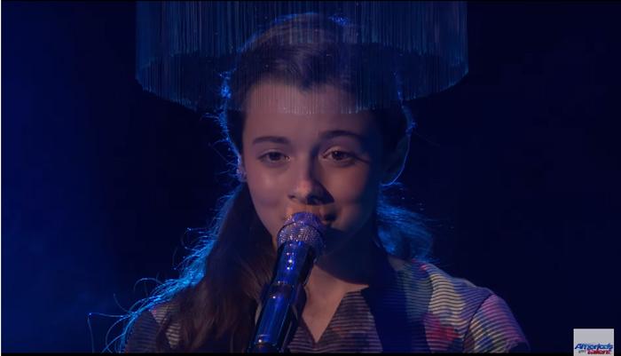 "Laura Bretan a impresionat juriul în semifinalele ""America's Got Talent"" (Video)"