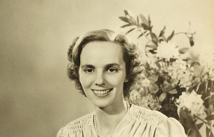 Carte de condoleanțe în memoria Reginei Ana