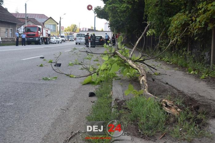TIR înmatriculat în Satu Mare, implicat într-un accident în Dej (Foto&video)