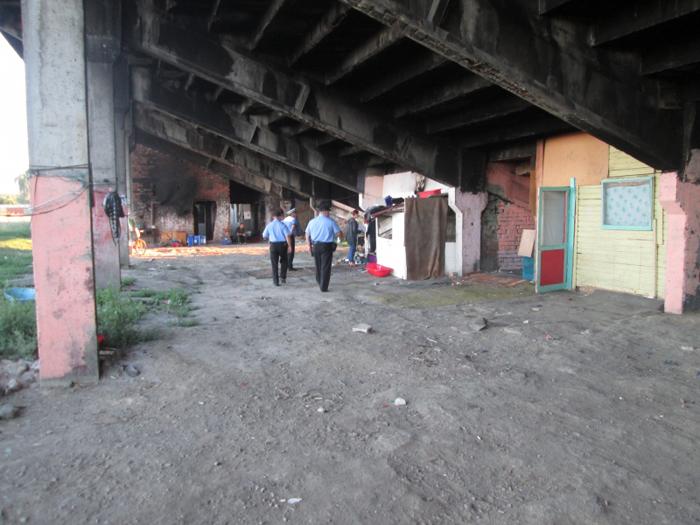 """Persoanele care locuiesc sub fostul Stadion """"UNIO"""", amendate"""