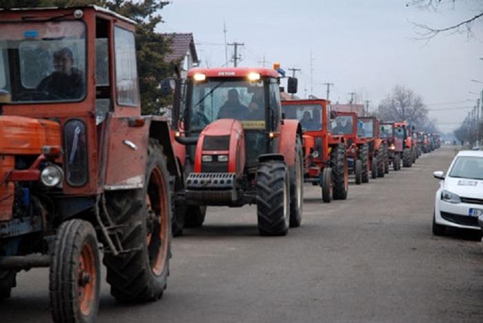 Fermierii sătmăreni ies în stradă