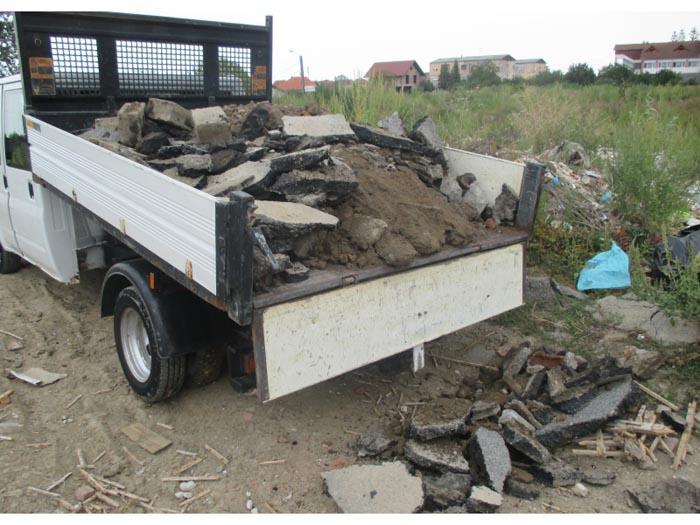 Depozitări ilegale de deșeuri în lacul Cubic