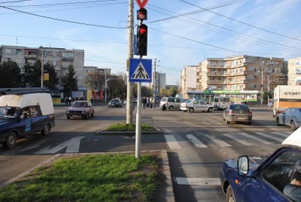 Primăria renunță la trei benzi pe sens pe Podul Golescu