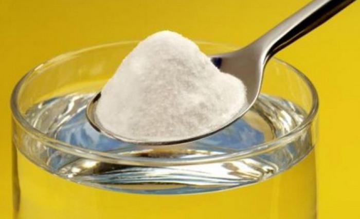 Cum să faci odorizant de cameră cu bicarbonat de sodiu
