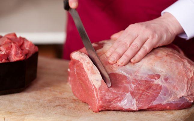 Porc cu trichineloza, in comuna Turt