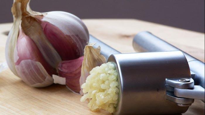 Cum să mănânci usturoiul ca să fie cât mai eficient în vindecarea bolilor