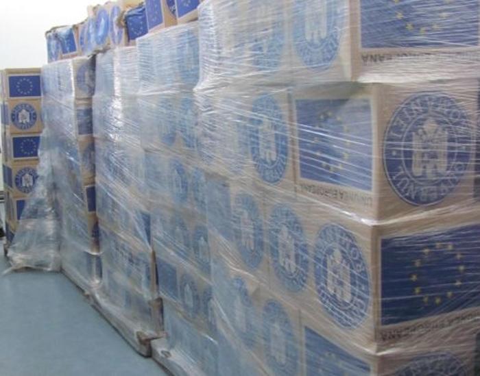 Peste 21.000 de cutii cu ajutoare alimentare, neridicate