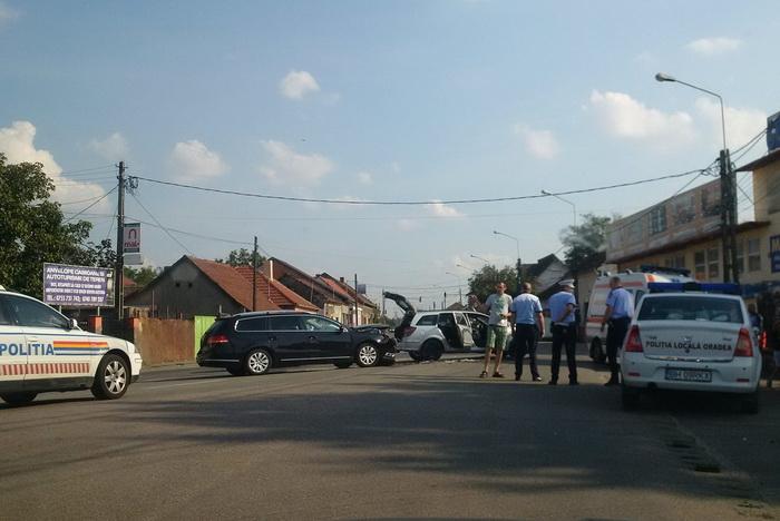 Familie de sătmăreni, rănită într-un accident în Oradea (Foto)