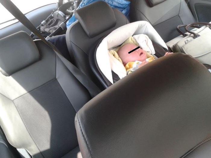 Tânără întoarsă de la graniță. A vrut să-și scoată bebelușul din țară