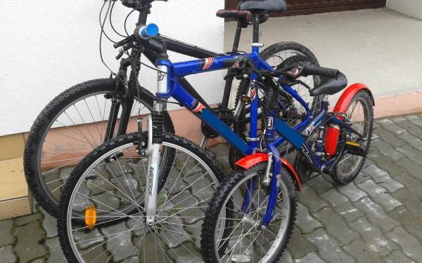 I-au furat bicicletele din curte