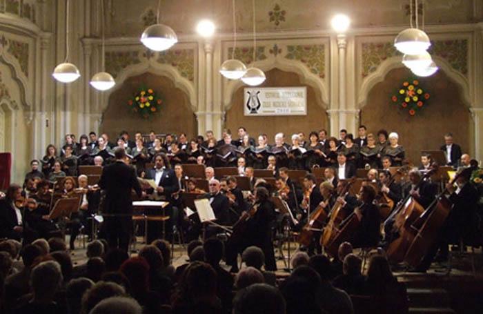 "Muzica lui Mozart, pe scena Filarmonicii ""Dinu Lipatti"""