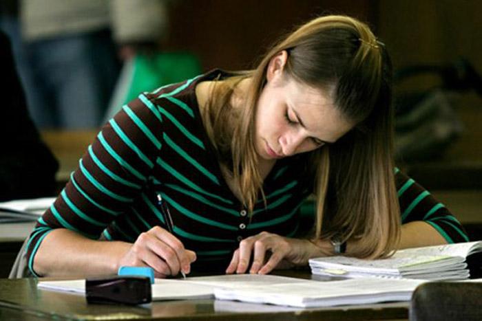 Vrei să studiezi la un liceu din SUA? Vezi ce ai de făcut