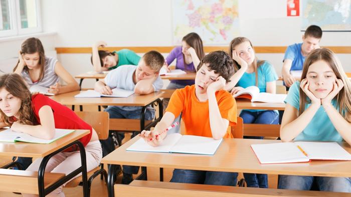 """Ministerul Educației către profesori: """"Să nu mai avem elevi plictisiţi la şcoală"""""""