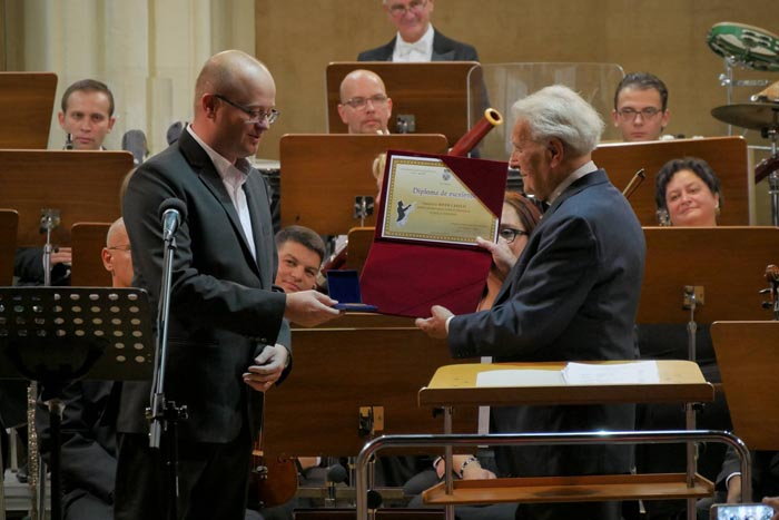 Dirijor premiat de primarul Kereskenyi Gabor. Despre cine este vorba (Foto)