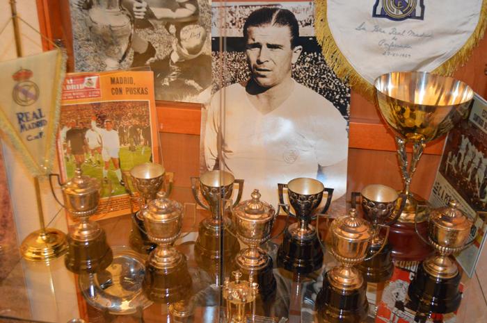 S-a deschis expoziția dedicată fotbalistului Puskas Ferenc. Unde poate fi văzută (Foto)