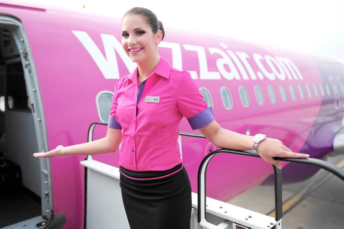 Wizz Air nu mai tarifează bagajele mari de mână. Vezi de când