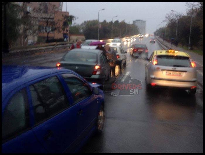 Tamponare pe Podul Golescu (Foto)