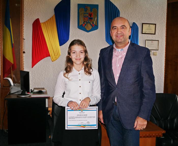 Eleva de 10, premiată de Guvernul României