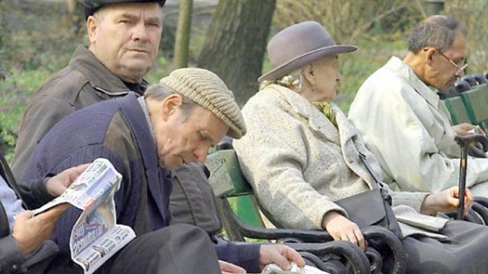 """Legea """"cumpărării de vechime"""", publicată în Monitorul Oficial"""