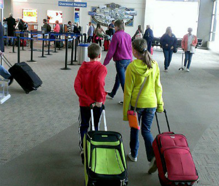 Proceduri mai simple pentru călătoria în străinătate a minorilor