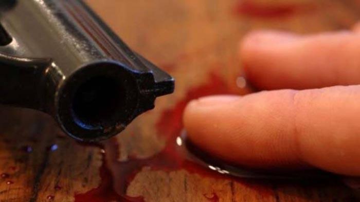Crimă sau sinucidere: Polițist găsit împușcat în cap