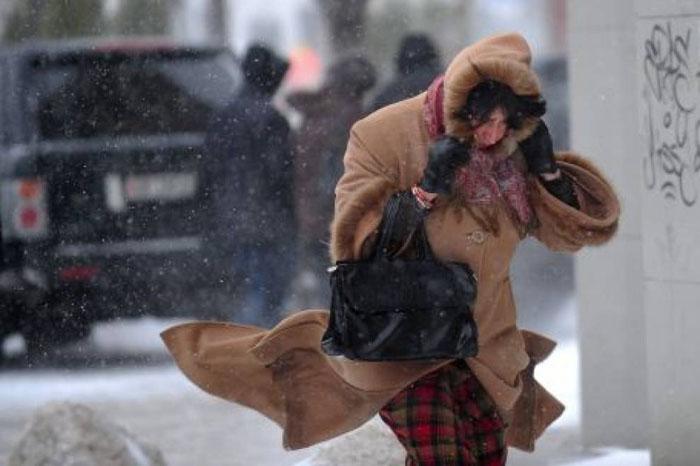 Ploi, ninsori și vânt puternic în toată țara. Ce spun meteorologii