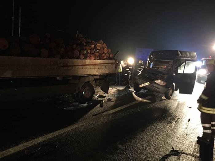 Accident grav în localitatea Dorolț. O persoană încarcerată