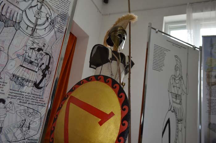 Incursiune în lumea războinicilor antici. Expoziție inedită la Muzeul Județean (Galerie foto&video)