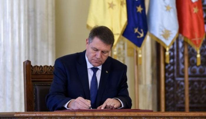 Președintele Iohannis a semnat numirea celor patru noi miniștri