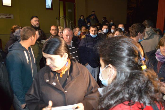 Vezi ce a discutat Marcela Papici cu protestatarii de la UPU Satu Mare (video)