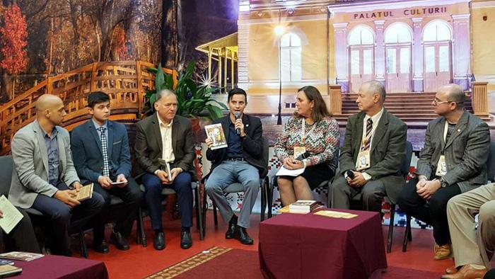 """Scriitori sătmăreni la Festivalul """"Liviu Rebreanu"""" din Bistrița"""